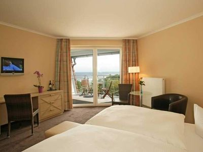 Photo for Comfort Double Room with Balcony and Sea View - Strandhotel Seerose Kölpinsee