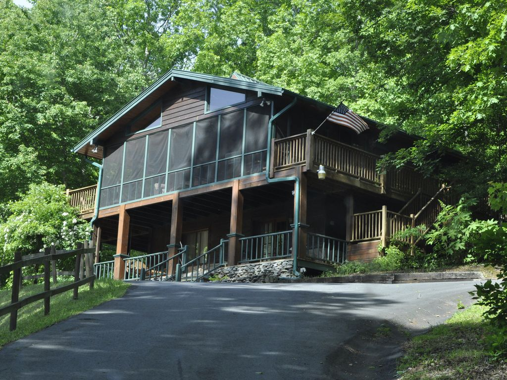 Private 2 Bedroom 2 Bath Cabin With Mountain View Creek Firepit And Private Blairsville North