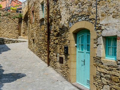 Photo for Costabravaforrent Peratallada, each village for 6 people