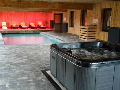 Photo for Former hotel with swimming pool, jacuzzi and sauna for family groups
