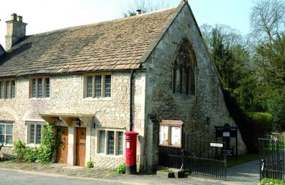 The Gates with self catering holiday accommodation for 6 Guests is opposite the Medieval Market Cross