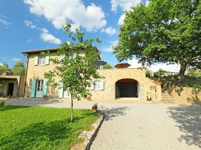 Photo for House in Cortona with Internet, Pool, Parking, Garden (126875)