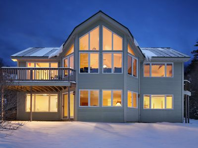 BW's Top-Rated Slopeside Rental - Walk to Slopes, River/Mountain Views, LOCATION