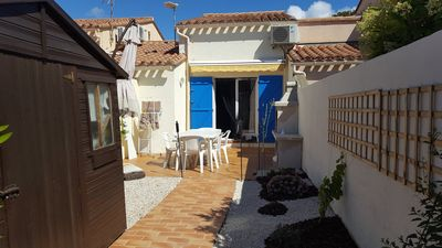 Photo for Villa with garden & parking, 6 people 500m from the beach
