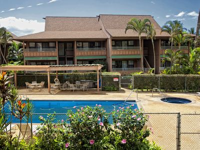 Photo for Kihei Bay Vista #C-206 Across from the Beach, Great Location, Great Rates!