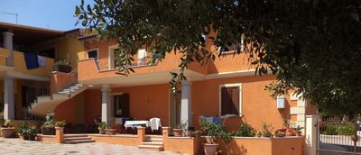 Photo for Holiday Apartment with Wi-Fi, Air Conditioning and Terrace; Pets Allowed