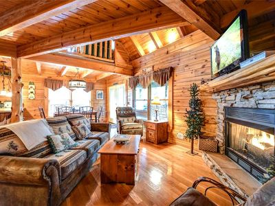 Photo for Un'Fir'gettable, 2 Bedrooms, Sleeps 8, Game Room, Resort Pool, Hot Tub