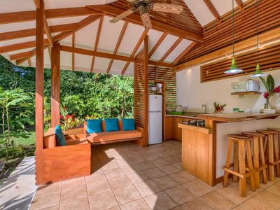 Tropy Bungalow with Gorgeous Surroundings