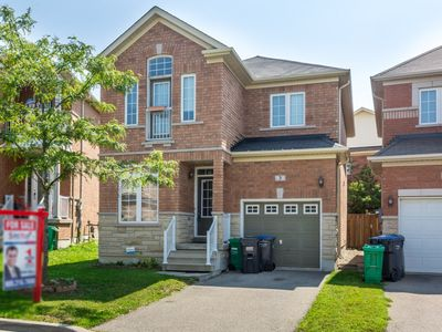 Photo for CHARMING 3 BEDROOM PRIVATE HOME