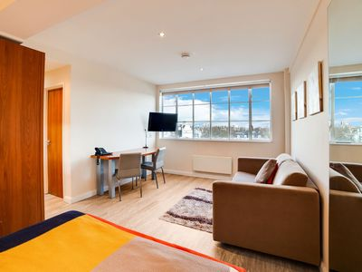 Photo for Appealing Apartment in London near Holland Park