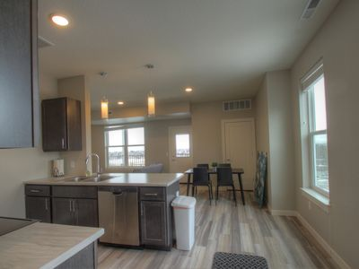 Photo for 2 bedroom + 1 bath apartment with amazing views!