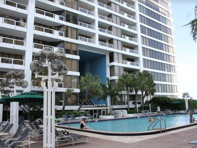 Photo for GORGEOUS 3BR Condo Right On The Bay! Huge Hot Tub, Heated Pool & Private Balcony
