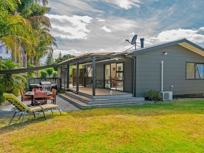 Photo for Oyster's Pearl - Cooks Beach Holiday Home