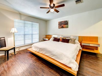 Photo for Westlake Cottage near Downtown and Zilker!