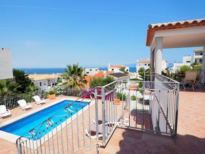Photo for <![CDATA[Beautiful house with a terrace with sea views and a private swimming pool. From its big p]]>
