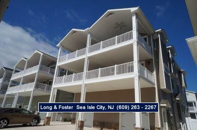 Photo for SeaShore living at it's finest! Exquisitely decorated, close to the beach.
