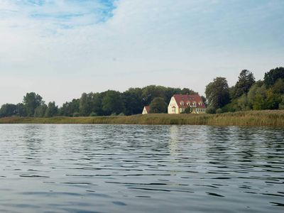Photo for 4 persons Apartment 4 with beautiful lake view - Gut Grubnow Rügen