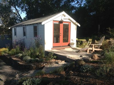 Cute, romantic... a great place to stay while you are exploring Sonoma County