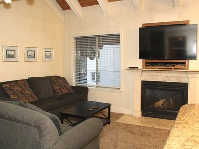 Photo for 3 bedrooms plus Loft 2 Bath, Sleeps 8, upstairs unit with 2 levels to enjoy for your Mammoth Lakes V