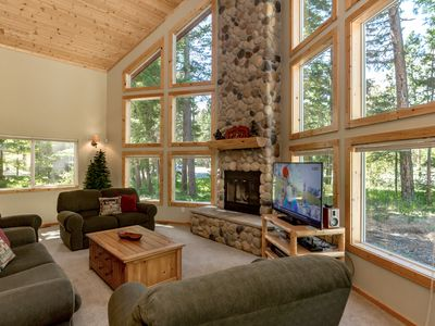Photo for SAVE 25% NOW! Awesome Cabin Nr Suncadia,Covered Patio Outdoor Fireplace-Slps8