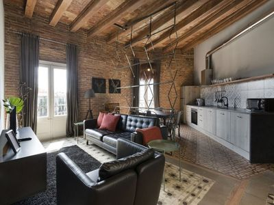 Photo for Miro 41 apartment in Eixample Dreta with WiFi, air conditioning, balcony & lift.