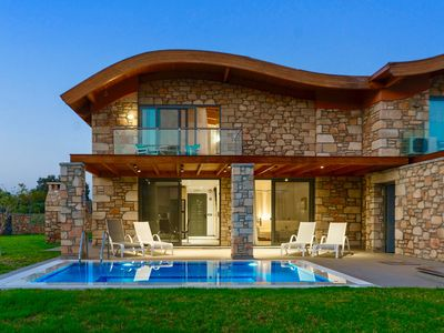 Photo for R741 Luxurious Villa with Garden view and Private Pool