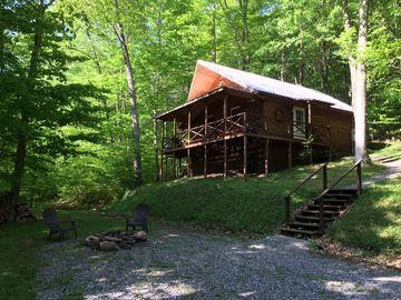 Rustic, Secluded Getaway Cabin In The Woods Situated On 85 Acres.
