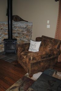 Come enjoy the peace and the surroundings of the Mountain! Air Conditioning!