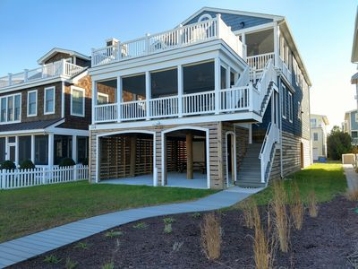 Photo for 116 Maplewood St, 5 Bedrooms, 1 Blk to the Beach! 2 screened porches, 2 decks