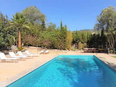 Photo for 5 bedroom spacious house with swimming pool in the central ESPORLES village