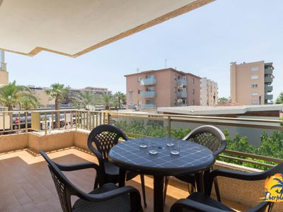 Photo for Apartment for 5 pax in the heart of Salou a few meters from the beach.