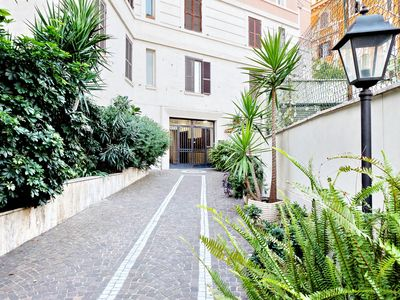 Photo for Trastevere Little garden