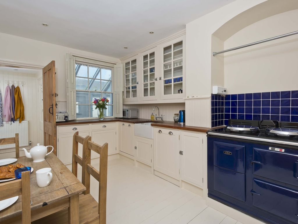 Self Catering Holiday Cottage With Sea Views Selsey