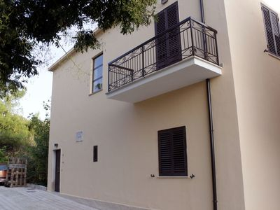 Photo for Beautiful apartment for 5 people with WIFI, TV and pets allowed