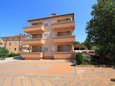 Photo for Attractive apartment with bedroom, bathroom, washing machine, air conditioning, balcony and only 300 meters to the sandy beach