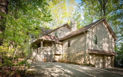Beautiful newlisting.  3000 ft elevation mountain  getaway for the whole family