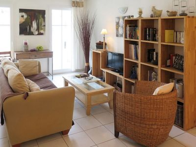 Photo for 2 bedroom Apartment, sleeps 6 with WiFi and Walk to Beach & Shops