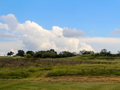 Photo for Country life just minutes from New Braunfels, San Marcos or Seguin.