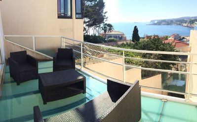 Photo for Luxurious faux T3 Duplex, all on foot, air conditioning, sea view terraces, parking, wifi