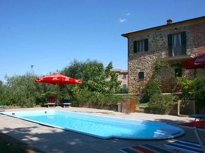 Photo for Villa with private pool and garden. Lucignano.