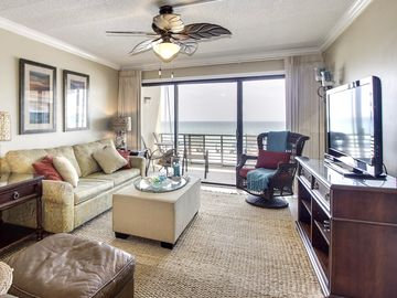 Gulf-front condo w/ shared pool & private beach access - snowbirds welcome!