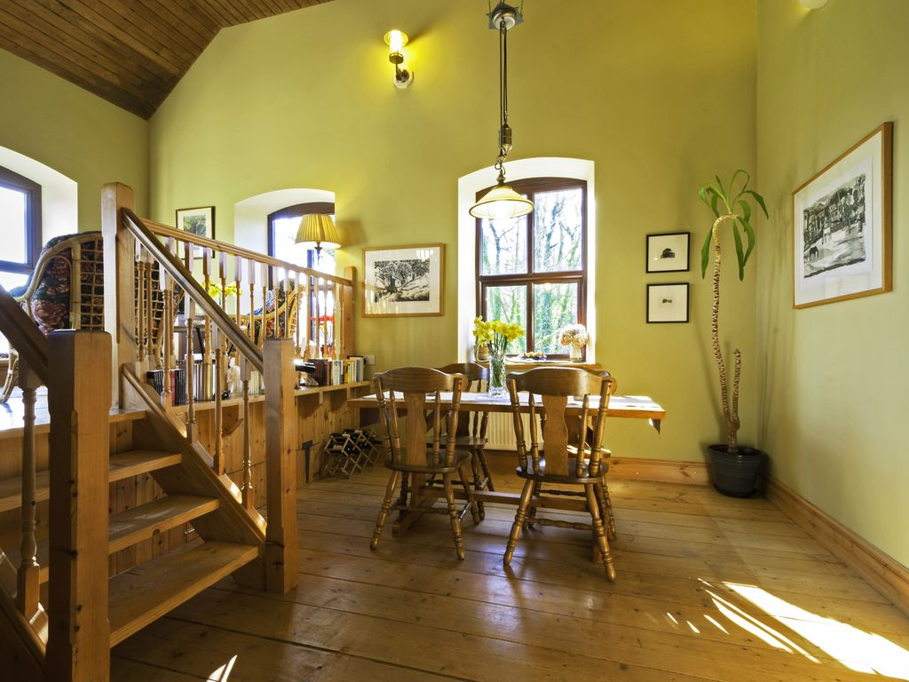 distinctive secluded hideaway north wales holiday cottage y