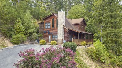 ER316- Black Bear Hideaway  Great location- Close to town