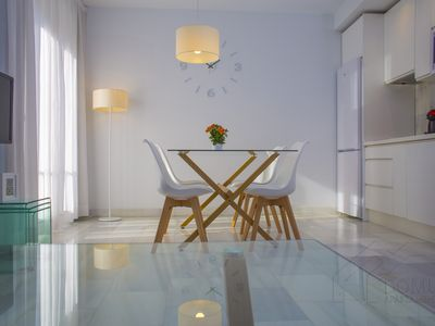 Photo for Spacious and modern Apartment with free parking in the heart of Granada 1.