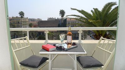 Photo for Convenient apartment in Nice center, balcony, for 4 pers, 115m², 2 bedrooms.