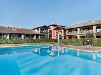 Photo for Residence with swimming pool in Peschiera del Garda