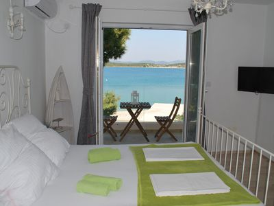 Photo for Villa Danica - Studio apartment with direct sea view, 4 stars