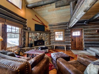 Photo for Ski-in ski-out cabin with private hot tub and gourmet kitchen