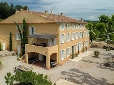 Photo for Luxury bastide with private swimming pool in a wine region in the Provence