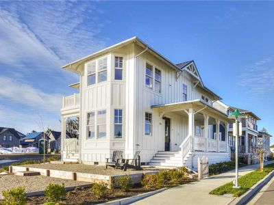 Photo for The Belafonte: 4 BR / 3 BA seabrook in Pacific Beach, Sleeps 8